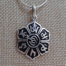 """Colgante de plata """"Signos auspiciosos en flor de loto"""" grande colgplat13"""