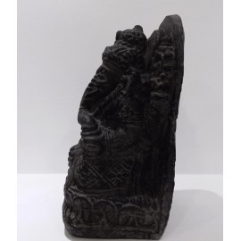 Ganesh de piedra 20 cms.