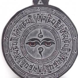 Piedra tallada a mano Om mane- ojos de Buda