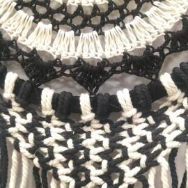 Atrapasueños Mandala blanco y negro Apas20 55 x 22 cms.