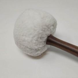 Maza de golpeo acolchada blanca 28 x 7 cms.